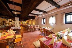 Restaurants im Feriendorf Kirchleitn - www.kirchleitn.com Restaurants, Basketball Court, Restaurant