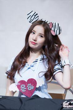 g friend jung eunha K Pop, South Korean Girls, Korean Girl Groups, Gfriend Profile, Jung Eun Bi, Cloud Dancer, G Friend, Ultra Violet, Kpop Girls