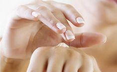 Cremas caseras para prevenir el envejecimiento y arrugas de las manos. Apunta  http://clubvive100.com/cremas-caseras-para-las-manos/ Club Vive100