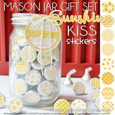 Super cute SCATTER SUNSHINE printable -  Chocolate KISS Mason Jar Gift Set - perfect addition to a box of sunshine package or to give someone a little bit of encouragement.  Tag - Just a little CHOCOLATE &SUNSHINE to brighten your day!  #mycomputerismycanvas