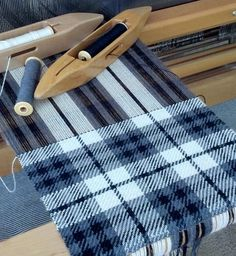 Nutfield Weaver: League of NH Craftsmen Blue, white and black - on the loom Weaving shuttles Weaving Textiles, Weaving Art, Weaving Patterns, Tapestry Weaving, Loom Weaving, Hand Weaving, Cricket Loom, Types Of Weaving, Lucet