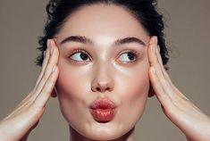 Anti-âge : cette crème teintée a été la plus vendue en 2020… C'est le secret d'une peau parfaite Creme, Skin Care, Voici, Foundation, Makeup, Skin Treatments, Asian Skincare, Skincare