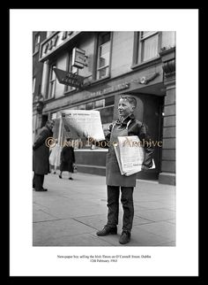 1963 Paperboy selling the Irish Times outside Aer Lingus office on O'Connell Street, Dublin. Old Pictures, Old Photos, Emerald Isle Ireland, Images Of Ireland, Ireland Pictures, Old Irish, Irish Times, Ireland Homes, Dublin City