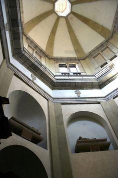 Basilica di San Nazaro in Brolo Renaissance Architecture, Classical Architecture, Interior Architecture, Barrel Ceiling, Bella, Milan, Italy, Italia, Classic Architecture