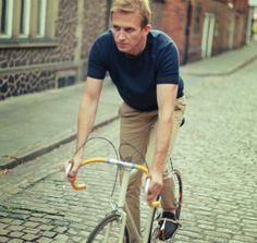 Vélobici Cyclewear - Firenze pullover (Indigo) - Pushing the pedals to city style