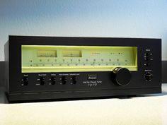 Sansui TU 717 Stereo Tuner, via Flickr.