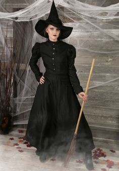 https://images.halloweencostumes.co.uk/products/5143/1-2/deluxe-wicked-witch-costume.jpg
