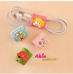 Best 11 Crocheted headphone holder – Page 425379127294009819 – SkillOfKing. Crochet Phone Cases, Crochet Pouch, Crochet Keychain, Crochet Gifts, Kawaii Crochet, Cute Crochet, Knitting Patterns, Crochet Patterns, Crochet Mobile