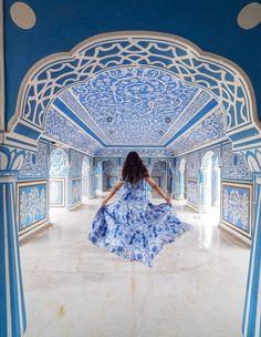 Ultimate India Itinerary - Taj Mahal, Jaipur, Jodhpur & Lake Palace Luxury Trip - The Style Traveller Jaipur Travel, India Travel, Indian Architecture, Beautiful Architecture, Taj Mahal, Jodhpur, City Palace Jaipur, Top 10 Instagram, Moon Palace