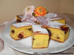 Prajitura cu iaurt si prune - imagine 1 mare Romanian Desserts, No Cook Desserts, French Toast, Sweet Treats, Cheesecake, Cooking Recipes, Sweets, Breakfast, Fără Gluten