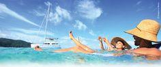 Romantic swim in French Polynesia © Gregoire Le bacon