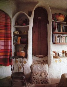 Just love this !  I wonder where this is .. and if someone, snuck into maybe a hobbit's home ?