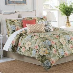 Isla Verde Tropical Floral Comforter Bedding