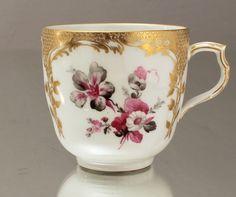 KPM Berlin: Kaffeetasse Neuzierat goldgeschuppt Blumen in Purpur Schwarz Gedeck in Antiquitäten & Kunst, Porzellan & Keramik, Porzellan | eBay