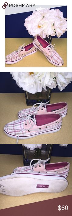Sperry Top Sliders So cute and perfect plaid pink! Excellent used condition Sperry Top-Sider Shoes