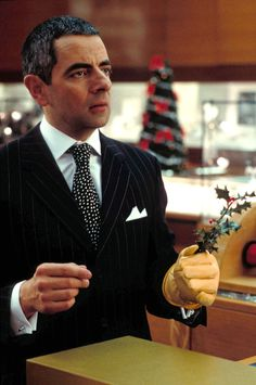 Rufus (Rowan Atkinson) ~ Love Actually (2003) ~ Movie Stills ~ #romcoms #britishmovies #chickflicks #loveactually #comedies #romanticcomedies