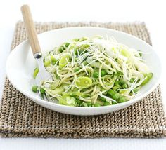 Spaghetti with leeks, peas & pesto - fancy this up with homemade pesto and peas from your garden!