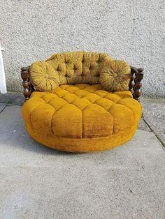 Vintage Mid Century Round Loveseat / Chair - Orange / Yellow Velvet Couch with floral print pillows - Unique Retro Chaise! Retro Home Decor, Unique Home Decor, Diy Home Decor, Room Decor, Funky Furniture, Unique Furniture, Retro Couch, Bohemian Bedroom Design, Velvet Couch