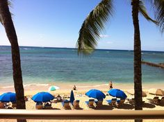 Outrigger Reef on the Beach in Honolulu - View from ocean front room