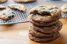 These cookie recipes represent the best of the best, including chewy chocolate chip cookies, perfect peanut butter cookies, and next-level snickerdoodles. Chewy Chocolate Chip Cookies, Brownie Cookies, Cookie Desserts, Just Desserts, Cookie Recipes, Dessert Recipes, Cookie Ideas, Pudding Recipes, Brownie Recipes