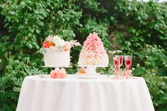 Cake table | Claire Graham Photography  | see more on: http://burnettsboards.com/2015/04/coral-peach-wedding-editorial/