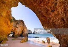 Afbeeldingsresultaat voor rotsen strand algarve