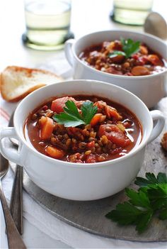 WARMING LENTIL AND TOMATO SOUP