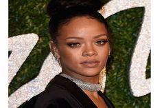 Rihanna rouba a cena no British Fashion Awards 2014 - http://metropolitanafm.uol.com.br/novidades/famosos/rihanna-rouba-cena-no-british-fashion-awards-2014
