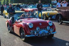 #triumph #TR3 à la Traversée de #Paris en #Voitures #Anciennes #TdP2015 Article original : http://newsdanciennes.com/2015/08/03/grand-format-news-danciennes-a-la-traversee-de-paris-2/ #Cars #Vintage
