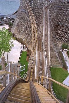 I hate wooden roller coasters but I might have to breakdown this year and go on it! - Mean Streak at Cedar Point Ohio One of the many roller coasters at this great amusement park in Sandusky, Ohio Best Roller Coasters, Roller Coaster Ride, Oh The Places You'll Go, Places To Travel, Cedar Point Ohio, Sandusky Ohio, Amusement Park Rides, Carnival Rides, Attraction