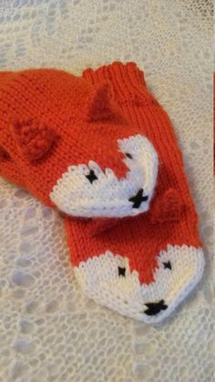 Knitted Fox mittens, handknit gloves Animal mittens Orange knit mittens by ExclusiveWorkshop on Etsy https://www.etsy.com/uk/listing/505016378/knitted-fox-mittens-handknit-gloves
