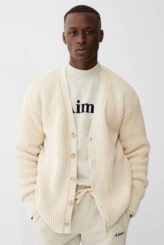 Created in Aimé Leon Dore is a fashion and lifestyle brand based out of New York City. Gentleman Mode, Gentleman Style, Streetwear Mode, Streetwear Fashion, Stylish Men, Men Casual, Stylish Clothes, Aime Leon Dore, Retro Fashion