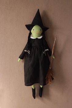 Evanora the Witch   merrilee-liddiard Plaits Hairstyles, Roasted Butternut Squash, Plant Needs, Fresh Green, Hallows Eve, Black Wool, Vintage Toys, Art Dolls, Witch