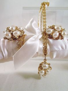 1970's Pearl Rhinestone Necklace Earrings Vintage Demi Parure Gold Tone Wedding