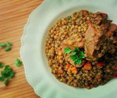 """""""Χοιρινό με φακές, κύμινο και μυρώνια. #pork #stew #lentils #cumin #chervil #mimiscooks #yummy #delicious #tasty"""""""