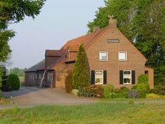 Hoeve De Schans in het Meerlebroek, boerderij in traditionele stijl