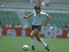 Bryan Robson in action for England on June 09, 1985.