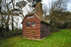 henry williamson author of tarka the otter had a neat writing hut
