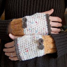 crochet/knit; fingerless gloves,,,kinda like them,,will pin then later see if I can find a pattern!a