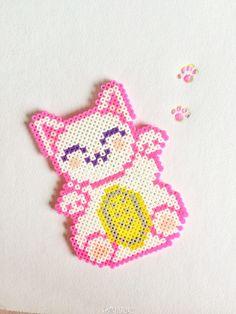 Lucky cat perler beads Más