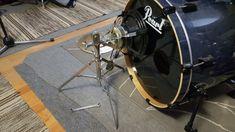Tee se itse Subkick. Netistä rumpuäänitys metodeita selaillessa, törmäsin useasti sovelluksiin, joissa käytettiin Subkick mikrofonia varsinaisen rumpumikrofonin rinnalla bassorumpua äänittäessä.    Lisää juttua  tekeleestä löytyy linkistä Drums, Music Instruments, Diy, Bricolage, Percussion, Musical Instruments, Drum, Do It Yourself, Homemade