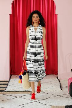 See all the Collection photos from Kate Spade New York Spring/Summer 2017 Ready-To-Wear now on British Vogue Catwalk Fashion, Fashion 2017, Fashion News, Fashion Show, Fashion Trends, Kate Spade, Bikini Surf, Sequins And Stripes, Fashion Forecasting