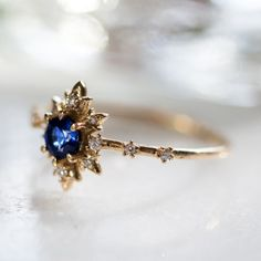 Natural Diamond Engagement Ring Set Two Tone Gold Rings Diamond Flower Rings Unique Engagement Rings - Fine Jewelry Ideas Cute Jewelry, Jewelry Rings, Jewelry Accessories, Jewelry Design, Jewlery, Designer Jewelry, Jewelry Ideas, Women's Rings, Wire Jewellery