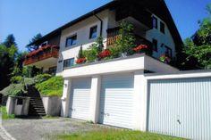 Leuke accommodatie voor 4 personen te huur aangeboden. Dit appartement is te vinden in Schönau im Schwarzwald.  Neem eens een kijkje op onze website voor meer informatie over dit huis en andere objecten in het Zwarte Woud.