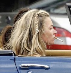 Braided Hairstyles and hairstyles corto Cabelo Kate Moss, Kate Moss Hair, Rasta Hair, Moss Fashion, Kate Moss Style, Queen Kate, 90s Models, Hairstyles Over 50, How To Pose