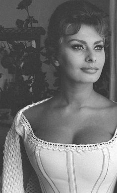 Sophia Loren on the set of Madame Sans-Gêne, 1961