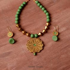 Take Exciting Jewelry Making Classes to Expand Your Knowledge and Feed Your Creative Spirit Clay Jewelry, Beaded Jewelry, Handmade Jewelry, Beaded Necklace, Beaded Bracelets, Bead Jewellery, Fashion Jewellery, Clay Earrings, Handmade Gifts