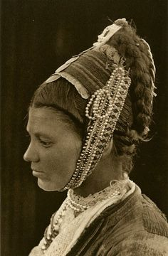 Snapshots of Dress in Old Romania - One Who Dresses