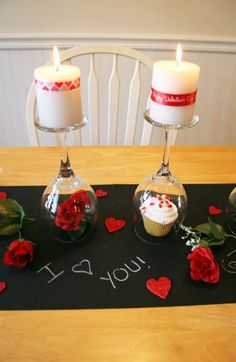 Staying in on Valentine's Day can be just a romantic and special. Create a memorable night with the Valentine's Day DIY Dinner Tablescape with a chalkboard table runner. Valentines Day Dinner, Valentine Day Love, Valentine Day Crafts, Valentine Ideas, Saint Valentine, Romantic Valentines Day Ideas, Valentine Party, Valentine Nails, Valentinstag Party