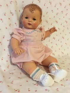 Big Baby Dolls, Baby Doll Clothes, Doll Clothes Patterns, Old Dolls, Antique Dolls, Vintage Dolls, Tiny Tears Doll, Creepy Cute, Baby Dresses